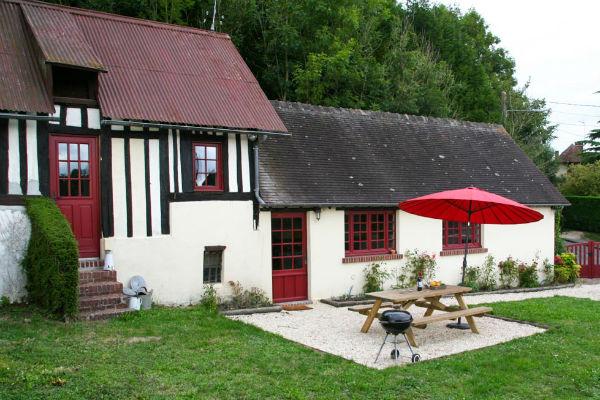 Gite Les 3 Soeurs in Normandie - tuin en aangezicht